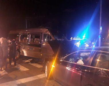 Accident rutier pe Calea Plevnei din Capitală, fiind implicate şi o ambulanţă cu...
