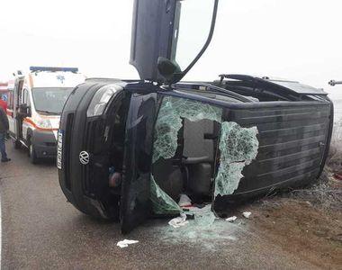 Cinci persoane rănite după ce microbuzul în care se aflau s-a răsturnat, în Alba