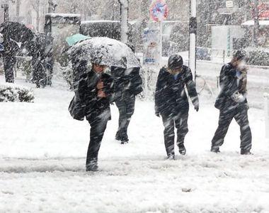 VIDEO | Cod galben de vreme severă: Vin ninsorile și viscolul peste România