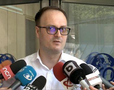 Alexandru Cumpănașu s-a pozat cu părinții Alexandrei Măceșanu! Detaliul din fotografie...
