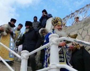 VIDEO | Imagini inedite cu Înalt Prea Sfinţitul Teodosie, la slujba de Bobotează