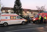 Trei pietoni spulberați de o ambulanță în Câmpina