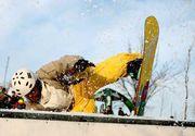 Adolescent în stare gravă la spital după ce a căzut cu placa de snowboard