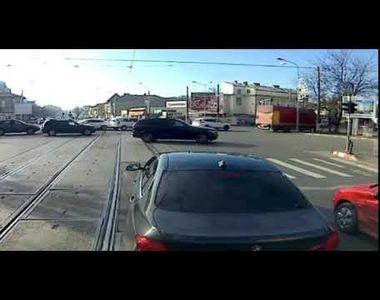 """Șmecherul cu BMW, scandal și pe Internet: """"Români proști și spurcați""""! După ce l-a..."""