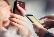 VIDEO | Fată de 13 ani, terorizată de un obsedat. Ce-i scrie acesta în sute de mesaje