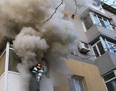 Olt: 22 de persoane au fost evacuate după un incendiu izbucnit la un bloc din Slatina....