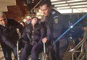 Caz șocant la Iași. O adolescentă paralizată de 4 ani, a fost urcată pe brațe la instanță pentru că judecătorii voiau să se convingă de starea ei