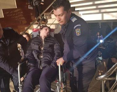 Caz șocant la Iași. O adolescentă paralizată de 4 ani, a fost urcată pe brațe la...