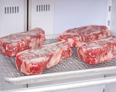 Cât poţi păstra carnea de porc la congelator fără să se strice
