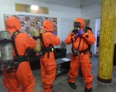 Arad: Cursurile din clădirea liceului afectată în urma acţiunilor de dezinsecţie şi...