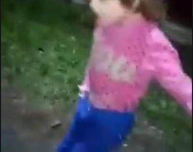 Galaţi: Fetiţa de 7 ani bătută şi scoasă în frig de mama sa, în grija unui asistent...