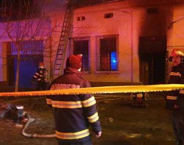 Părinţii celor patru copii din Timişoara, morţi într-un incendiu, cercetaţi pentru...