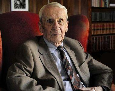 """Fiul autorului romanului """"Stăpânul Inelelor"""" a murit. Christopher Tolkien avea 95 de ani"""