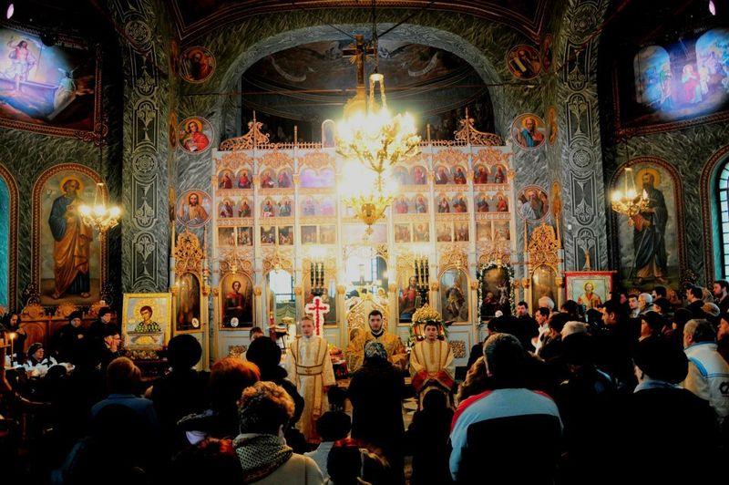 Calendar ortodox 2020 februarie. Calendar ortodox februarie 2020. Sarbatori religioase februarie 2020