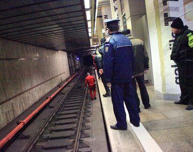 Incident grav la stația de metrou Păcii. Un bărbat s-a aruncat pe șine