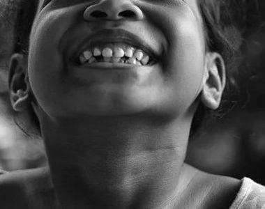 Povestea șocantă a unei fetițe de 12 ani, de etnie romă, din Italia. Medicii au făcut o...