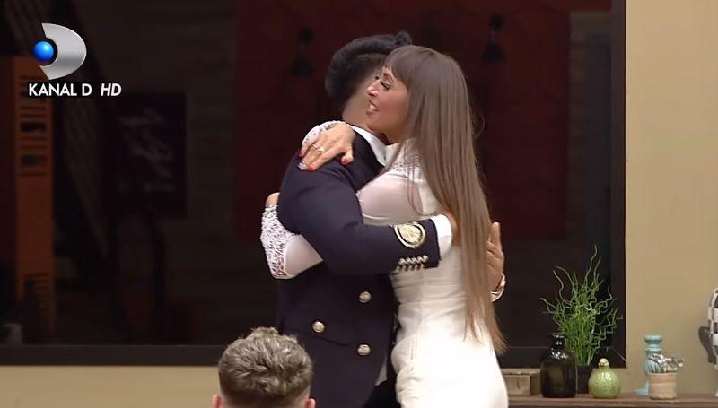 """Mariana de la """"Puterea Dragostei"""" în extaz de când a intrat Jador în casă: """"A venit soțul meu, bărbatul meu! Nu se mai ia nimeni de mine acum!"""""""