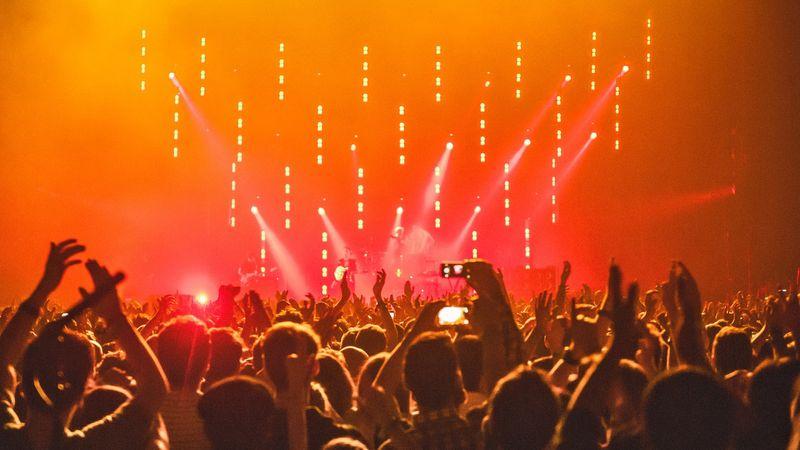 Liberalii cer audit extern la Primăria Iaşi pentru verificarea modului în care s-au cheltuit banii publici pentru concerte şi festivaluri
