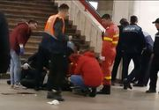 Incident la stația de metrou Piața Unirii din Capitală: un bărbat zace pe peron într-o baltă de sânge. Autoritățile intervin