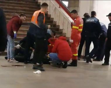 Incident la stația de metrou Piața Unirii din Capitală: un bărbat zace pe peron într-o...