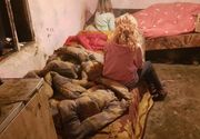 Povestea uluitoare de viață a unor surori care trăiesc în condiții mizere. Mama a murit, iar tatăl este bolnav
