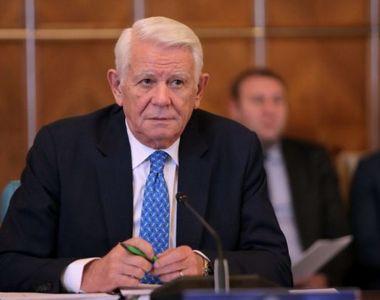 Reacţia lui Meleşcanu după ce CCR a decis că alegerea sa la conducerea Senatului e...