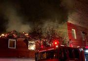 VIDEO | Incendiu uriaș la casa fostei iubite a lui Nicolae Guță. Imagini dramatice cu locuința care arde ca o torță