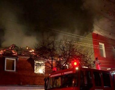 VIDEO | Incendiu uriaș la casa fostei iubite a lui Nicolae Guță. Imagini dramatice cu...