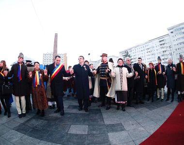 Ziua de 24 ianuarie, sărbătorită separat la Focşani, oraşul Micii Uniri, din cauza...
