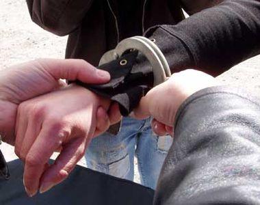 Galaţi: Poliţiştii au stabilit că doi băieţi, de 13 şi 15 ani, au trimis cele peste 800...
