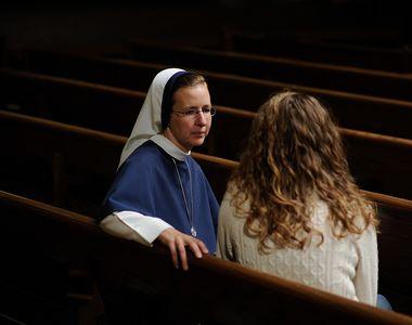 Călugărițe ieșite din biserică și obligate să se prostitueze. Papa Francisc le dă o a...
