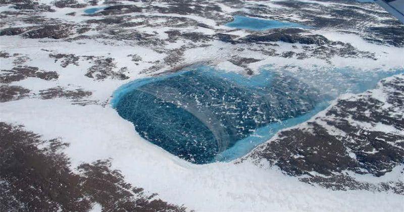 O BOMBĂ cu ceas stă să explodeze sub gheaţa din Antarctica