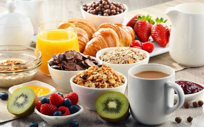 alimente interzise dimineata