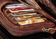 Gestul neașteptat al unei femei care a găsit un portofel cu 3.200 de euro, în timp ce se plimba pe stradă cu soțul și copilul de 3 ani
