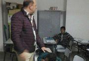 Gestul extrem făcut de către un profesor în sala de clasă, față de copilul unei studente
