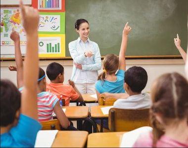 Legea prin care profesorii capătă statut de autoritate publică în școli, votată de Senat