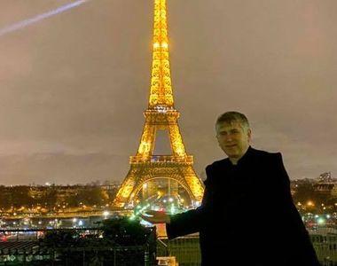 Cristian Pomohaci a botezat doi gemeni la Paris, îmbrăcat în veşmânt de preot, deşi a...