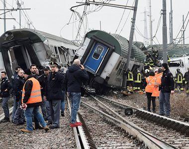 Doi morţi şi aproximativ 30 de răniţi în apropiere de Milano, în urma deraierii unui...