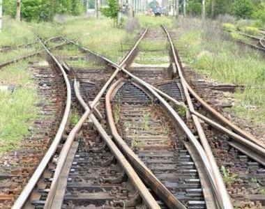 Circulaţie feroviară oprită între Timişoara şi Arad, după ce cadavrul unui tânăr de 19...