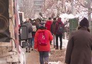 VIDEO | Bucureștenii au avut de înfruntat azi și gerul, și trotuarele necurățate de zăpadă