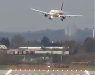 Furtuna Ciara: Momentul în care un avion plin cu pasageri aterizează cu mare...