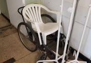 Imagini șocante la un spital din România. Pacienții de la urgență erau plimbați cu scaunul de la bar