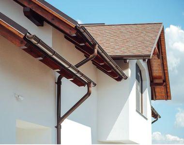 Cât de mult contează ca acoperișul casei să dispună de o instalație pluvială?