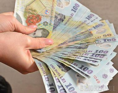 Bani în plus pentru români! Cine poate primi 650 de lei pe lună