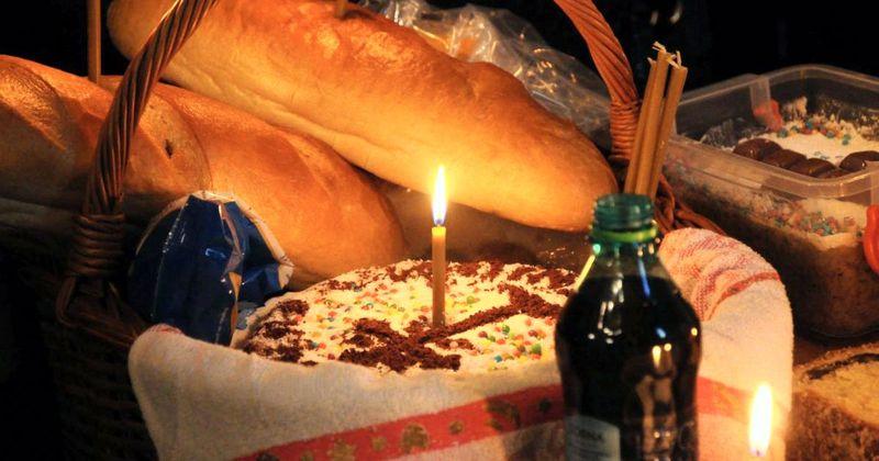 Moșii de iarnă 2020. Sâmbăta morților 2020. Ce se împarte de Moșii de Iarnă? Ce se dă de pomană în Sâmbăta Morților? Tradiții și obiceiuri românești