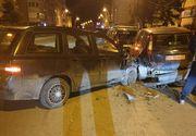 Bucuria a fost de scurtă durată pentru o tânără de 18 ani care abia a luat permisul auto: a făcut praf 4 mașini
