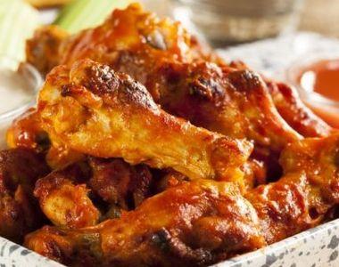 Aripioare picante și rumenite la cuptor. Rețeta perfectă pentru o masă copioasă