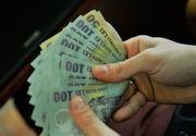 Statul oferă bani elevilor. 200 de euro pentru fiecare copil în parte