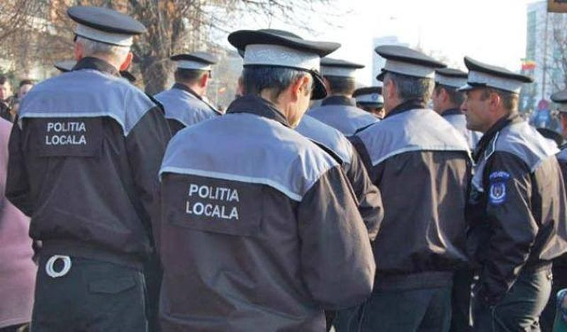 Polițist găsit spânzurat în casă
