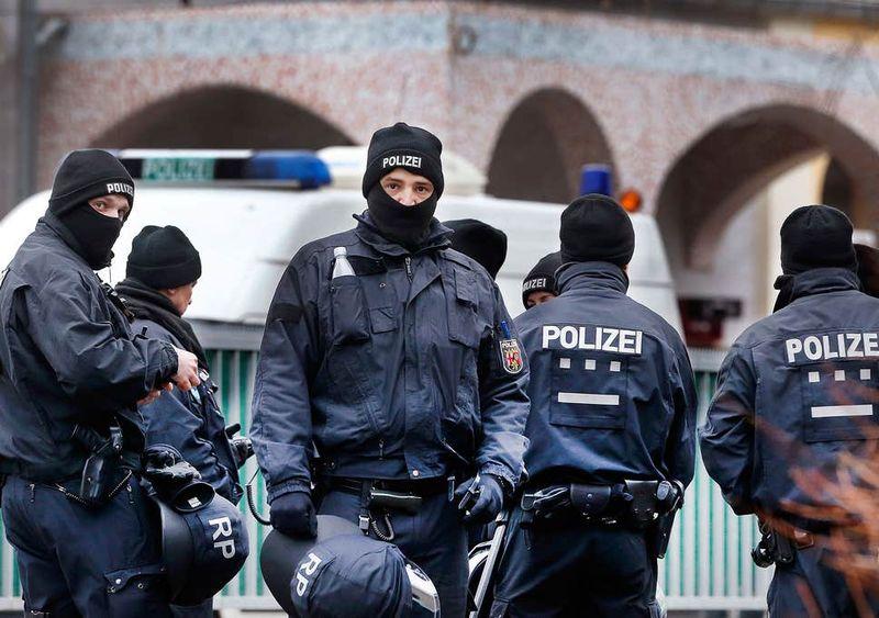 Klaus Iohannis condamnă atacurile violente din Germania